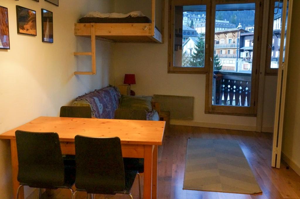 F2 - Livingroom